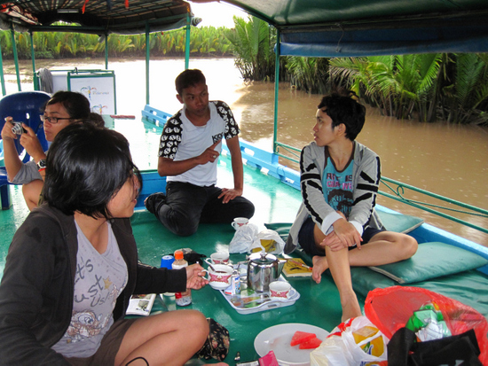 Vira being lectured in Tanjung Puting National Park