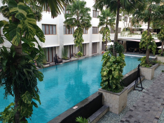 A great pool with rooms surrounding it