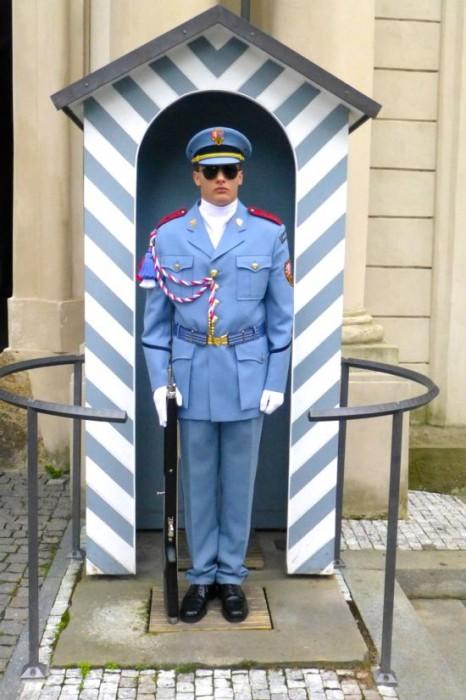 Penjaga di kastil Praha
