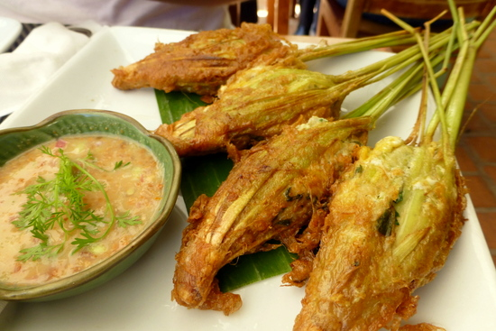 Menu andalan (Stuffed Lemongrass) di Tamarind Restaurant
