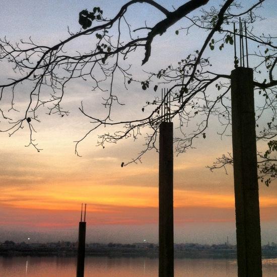 Sunset di Thakhek - pinggir sungai