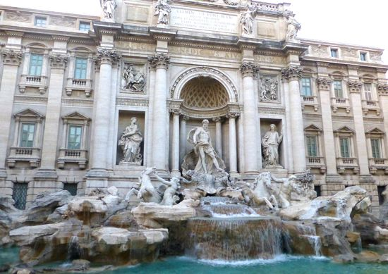 Trevi Fountain - Roma. jpg