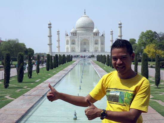 Alid at the Taj Mahal