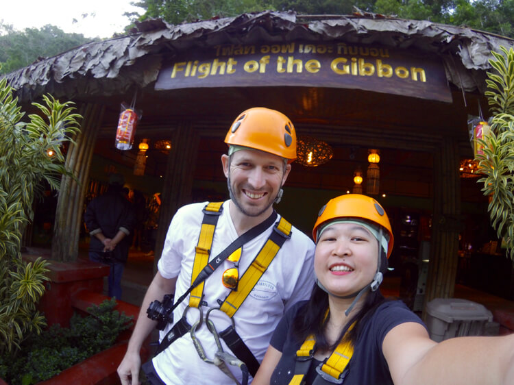 Selfie di depan kantor Flight of the Gibbon