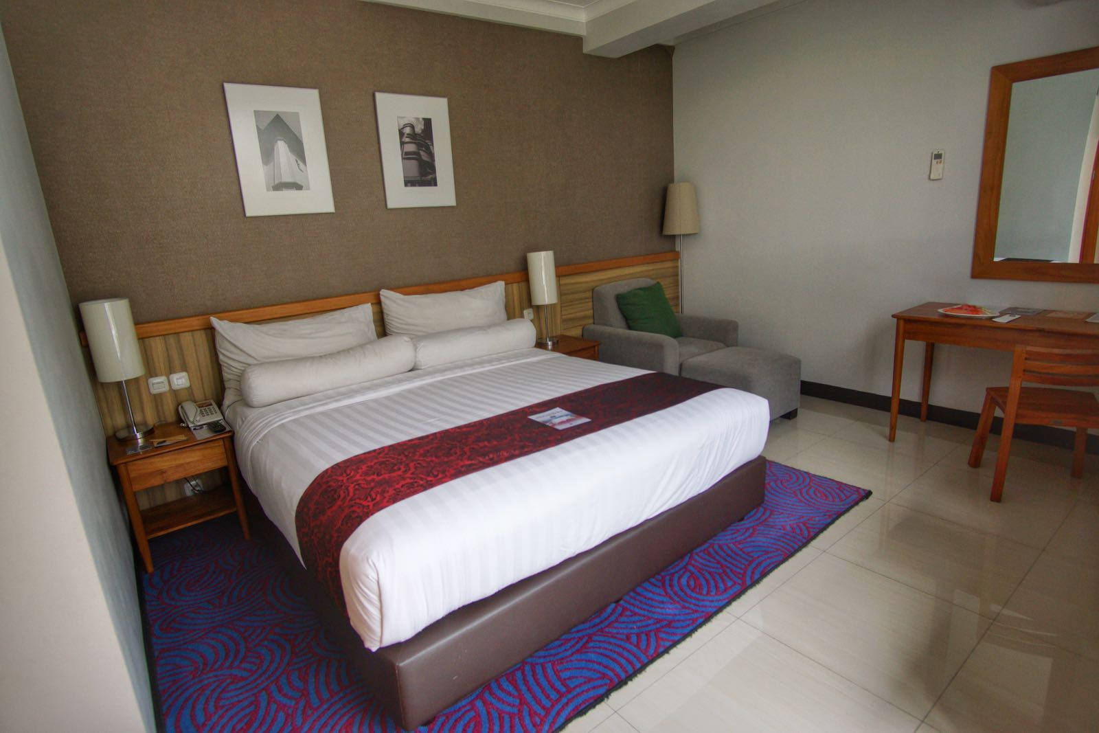 Double Bed Di Deluxe City View