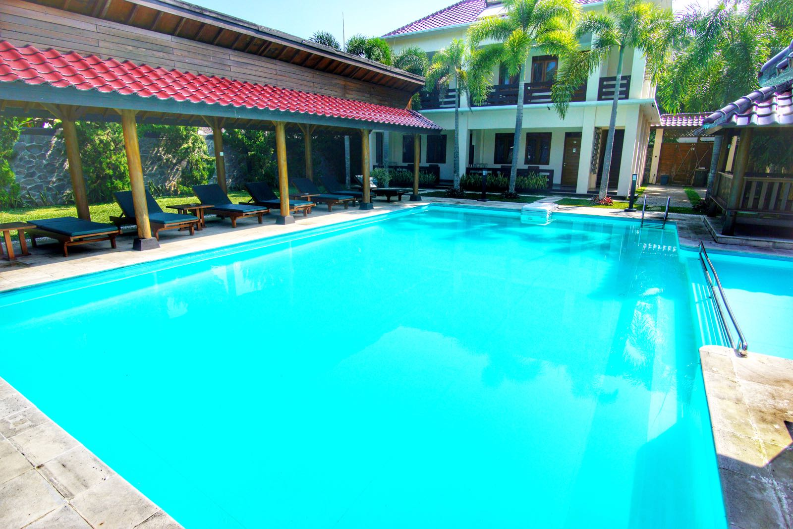 Sunrise Resort Batu Karas kolam renang