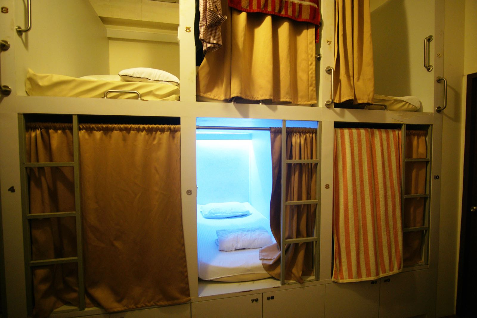 Pillow Talk Hostel Lavender Singapore Dorm