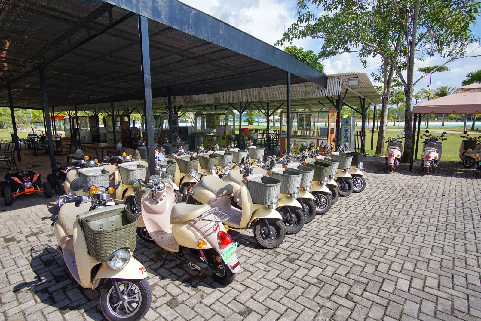 Sewa E Scooter Di Treasure Bay