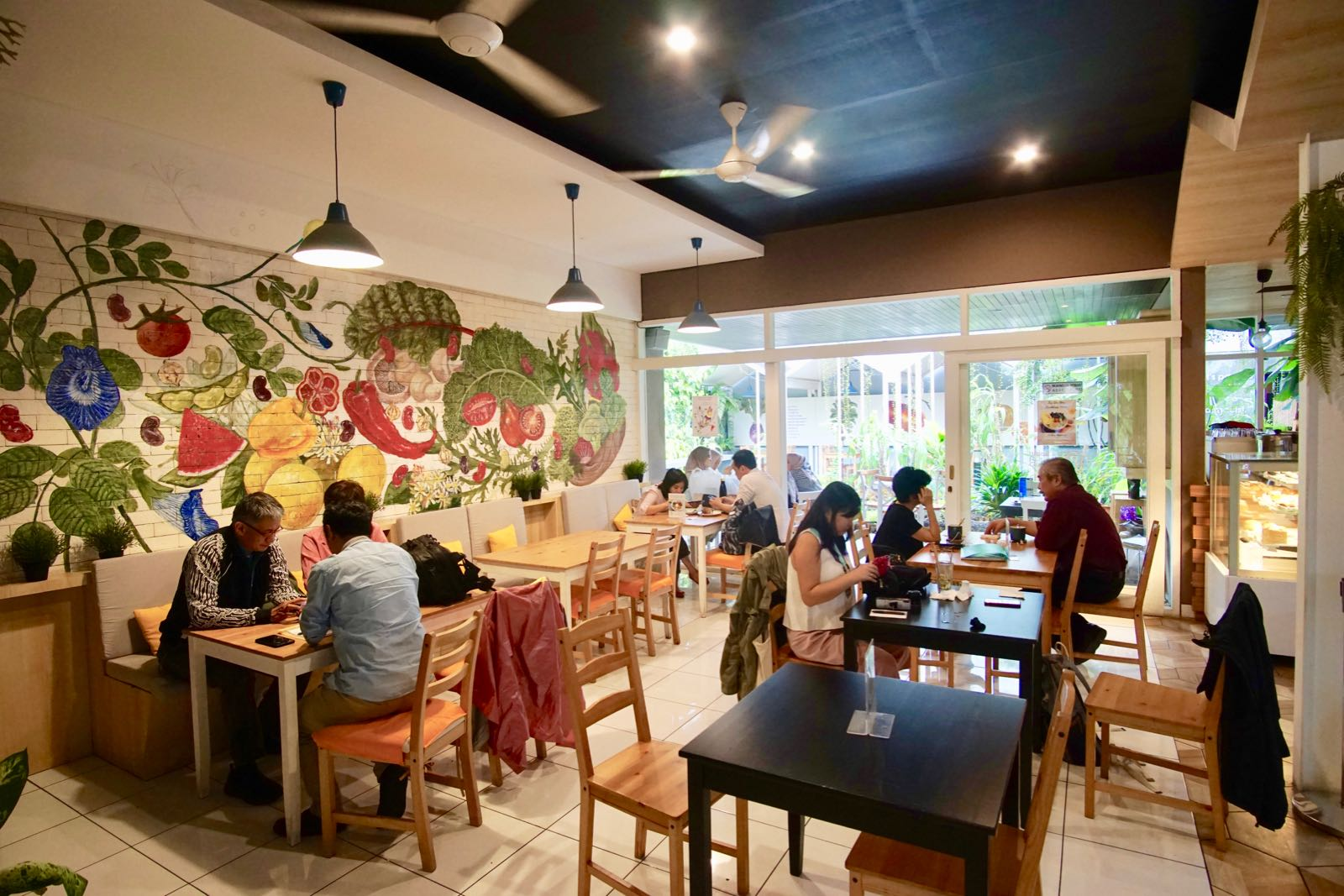 Cafe Greens And Beans Di Bandung