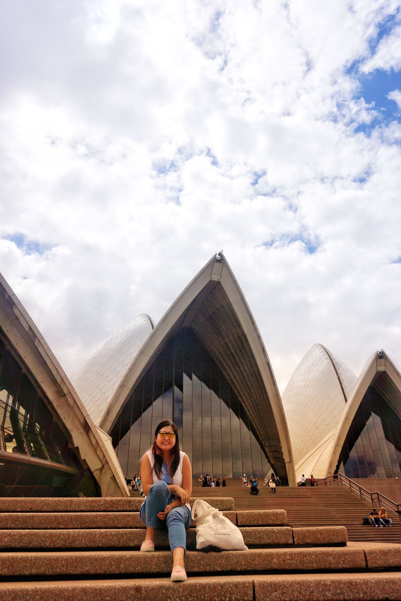 Traveloka Xperience Sydney Opera House Tour